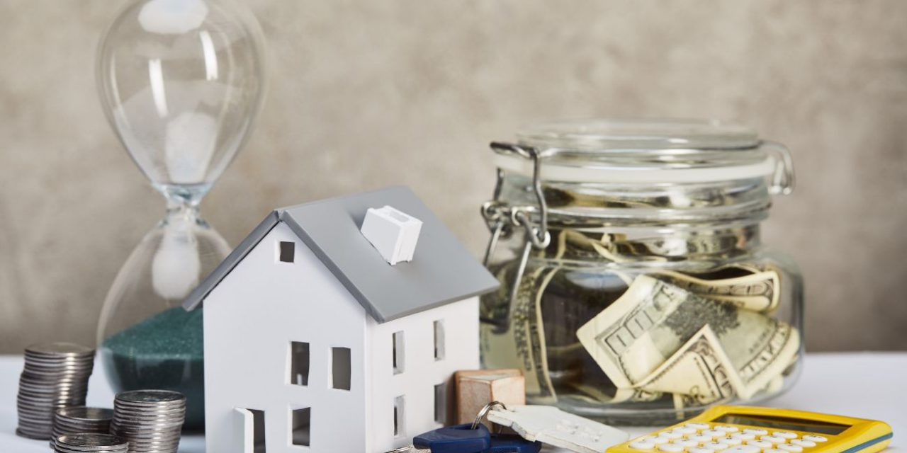 Pros and Cons of Buying A Home with Cash