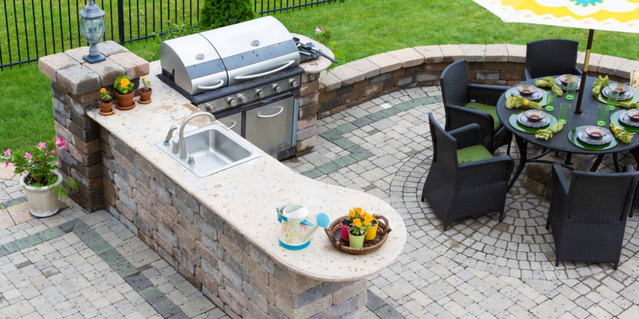Tips To Build The Outdoor Kitchen Of Your Dreams