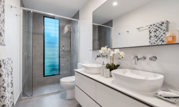 Breathe Life To Your Bathroom With This Shower Remodel Ideas